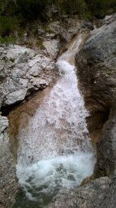acqua-cascata-bosconero-capotola